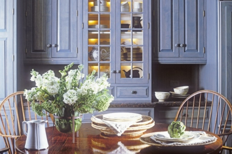 gallery-1427134841-blue-kitchen-cabinets-painted