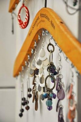 jewellery-hanger