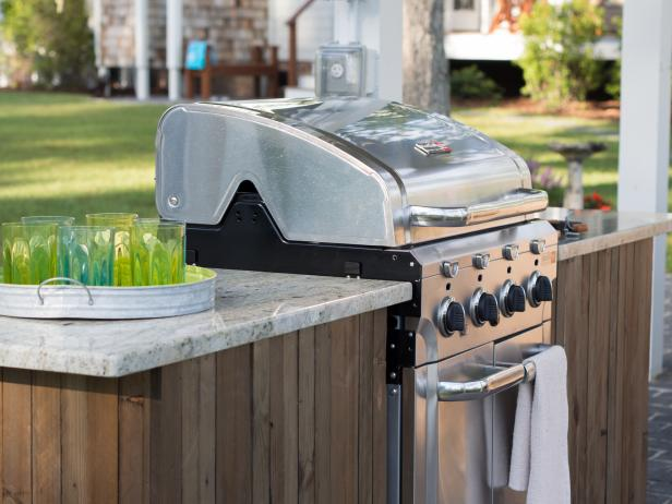 diy_bc13_outdoor-kitchen_06_grill-detail_h.jpg.rend.hgtvcom.616.462